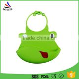 2016 best selling Eco-friendly Resistant Silicone feed food tools food grade silicone feeding baby bibs with customized logo