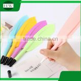 promotional wholesale cheap funny school office stationery mini plastic feather roller ball point pen