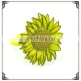2014 newest zinc alloy powder coated sunflower shape napkin ring