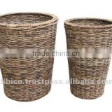 round natural material basket set of 2pcs/ round flower pot with plastic pot insert design 2012