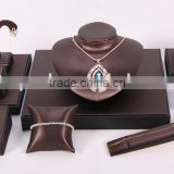 Fashion Design Import Leather Wrapped Wood Jewelry Display Stand Set Jewelry Bust Earring Bangle Bracelet Cushion Stand SHOW493