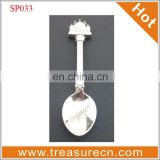 london souvenir spoon with acrylic box