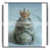 Animal decoration bronze frog king with a crown