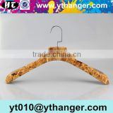 YY0441 wood grain rubber coated clothes hanger rubber paint non-slip coat plastic hanger