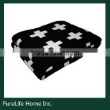 SZPLH 2016 hot sale black white cross knitted baby throw blanket