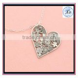 Hot Sell Heart Shape Stainless Steel Hollow Flower Solid Necklace Diffuser Flower Cutout Valentines Day Gift