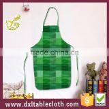 Household Printing plaid graphic Anti oil Plastic Bib kitchen Apron disposable apron