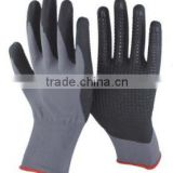 13/15 Gauge Knitted grey nylon and spandex coated black high-technology nitrile foam on palm gloves,black nitrile dots on palm,