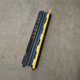 Outdoor High Quality Traffic Safety Electric Proof  Cable Protector Speed Bump
