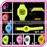 2014 Yiwu Supplier 7 Color Available New Silicone Kid Watch