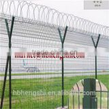 Steel Metal Type and Heat Treated Pressure Treated Wood Type Cheap Welded Wire Mesh Fence With Post