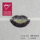 Fancy style lip rhinestone patch gold lurex applique