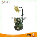 2016 wholesale cute resin decorative frog with solar light                                                                                                         Supplier's Choice
