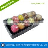 12 pcs Disposable Cake Container Clear Plastic Macaron Packaging Tray With Lids dongguan supplier