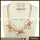 Stylish colorful acrylic flower bib chunky chain necklace and earrings jewelry sets
