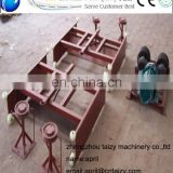 Labor saving and easy operation Chicken feed cleaning manure scraper machine