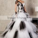 Custom made White and Black Satin Tulle One-Shoulder Appliqued Lace A-Line Wedding Dress Bridal Gowns