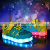 Factory Wholesale New design Light up shoes Children kids LED shoes sneakers Latest Cool footwear for girls boys