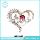 Yiwu gold rhinestone ruby bead heart brooch for wedding invitation brooch pin wholesale