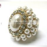 Pearl beads and crystal glamorous stretch ring