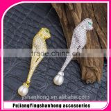 Egypt panther natural pearl brooches micro inlay zircon high-grade corsage, creative jewelry wholesale shawl buckle