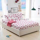 Red lips printted queen size cotton fitted sheet rubber band mattress protector