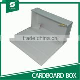 WHITE GIFT CARDBOARD BOX WITH MAGNET