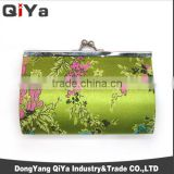 Wholesale Luxury Women Clasp Hand Green Flower Embroidery Purse Matel Frame For Gift Souvenir Lipstick Keys