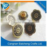 Wholesale high quality 3d engraved and epoxy coating metal badge / antique style metal craft with nice service for original make