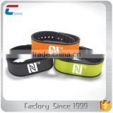 MIFARE Classic 4K NFC silicone wristband cheap rfid wristbands