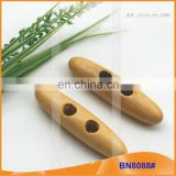 Fashion Natural Wooden Horn Toggle Button for Garments BN8088