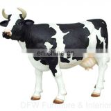 resin cow for outdoor decoration
