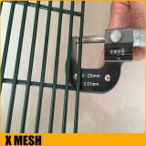 358 Fence Security Wire Mesh Fence PVC Coated Galvanized 4 . 0 MM Wire Diameter