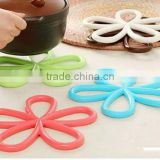 wholesale high quality plum-shaped anti-slip mat hot pot table PVC insulated soft pvc coaster