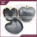 Zinc alloy apple shape metal clutch frame with black plastic shall box purse frame                                                                                                         Supplier's Choice
