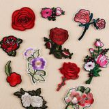 Beautiful embroidery flower patches for garment.