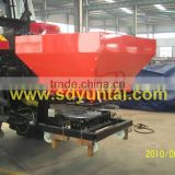 2CDR1400 fertilizer spreader of the 1400L capacity with the 80-100 hp tractor