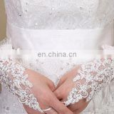 Beautiful & Exquisite Embroidery lace Bridal Glove Ivory Wrist Length Fingerless Wedding Gloves With Tull Lace Stretch