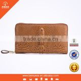 Newest Casual Golden Metal Zipper Emboss Crocodile Leather Men Style with Handle Clutch Bag