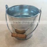 Metal tin bucket with handle Flower drum Tin barrels wrought iron flower bucket handle small bucket