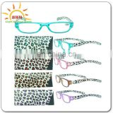 Beautiful flashing reading glasses with LED for old man