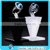personalized cube clear black base Acrylic Organic Glass Diamond Shaped Ring Display Holder Stand perspex Seat jewelry dispaly