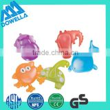 promotional vinyl plastic material flashing bath toy rubber animal toy