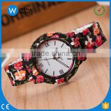 GW021 China Cheaper Dark Black Red Resin Band Luxury Fashion Brand Floral Flower Printed Geneva Watch