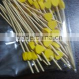 Hot selling eco-friendly disposable yellow heart-shaped skewers for appetizer