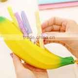 Hot Sale Novelty Silicone Portable handle Fruits Shape Banana shape zipper Coin Pencil Case Purse Bag Wallet Pouch