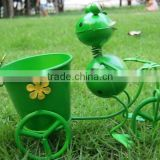 garden decoration frog painted metal frog pot metal frog frog pot outdoor garden frog decor frog with bike pot flower pot