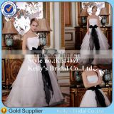 Boat neckline sleeveless black and white organza 2015 newest design bridal gown wedding dress