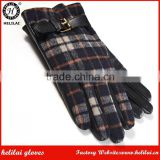 Helilai Factory Wholesale Bestselling Men's Checked Tartan and Sheep Nappa Leather Gloves with Gold Buckle Detail