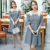 Increase the number of women's clothes to dress in the summer dress of a new plaid dress.